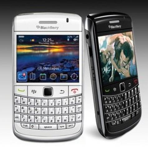 BlackBerry Bold 9700 front and side view