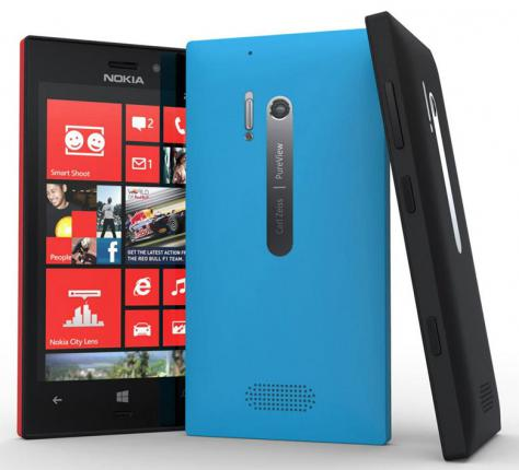 Nokia Lumia 928 front and side view