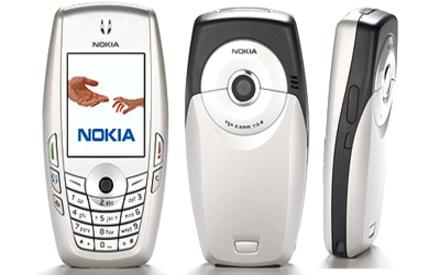 Nokia 6620 front and side view